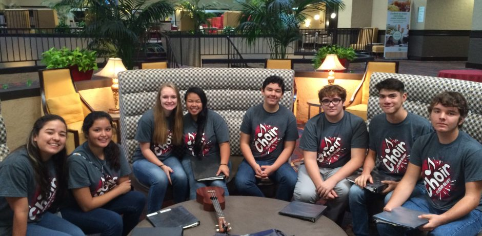 picture of Choir students at competition in Houston